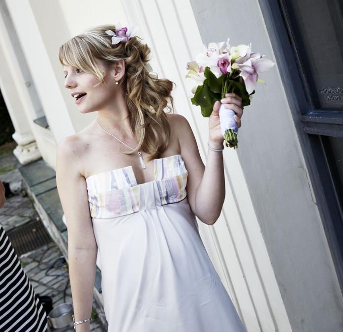 Hochzeitsfrisuren mit Blumen